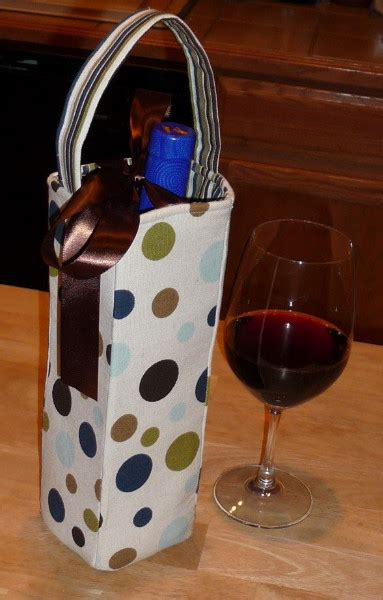 How to make a wine bottle gift bag - Best Fabric Store Blog